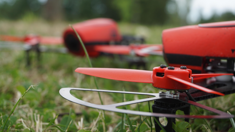 drone 300 grammi ftd300x dettaglio elica e paraelica