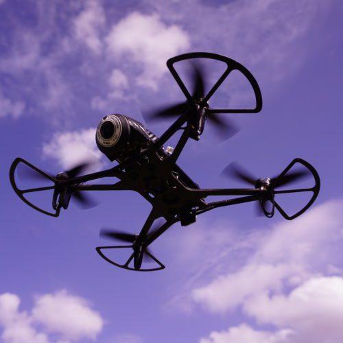 pilotare un drone da 300g senza patente sopra la città FTD Super300 derivato Parrot Bebop 2