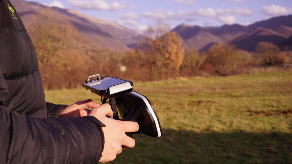 Pilotare un drone da 300g senza patente FTD Super300 drone per volo urbano